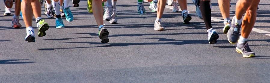 Les pieds des coureurs de marathon